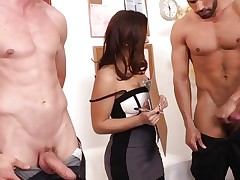 Sizzling Liza Del Sierra has enjoyment with a couple pricks