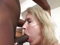Tempting Erica Lauren acquires her slippery face hole slammed