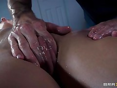 Golden-haired France bitch Jessie acquires a fine massage and then a deep hard fuck in her ass. The hawt bitch relaxes as the dude massages her bald love tunnel and smoking hawt thighs and then she has a great time with his big hard dick in her ass. Damn this gal likes it anal