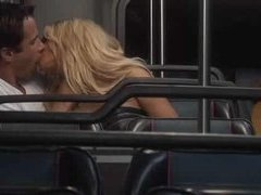 2 blondes blow on Bus
