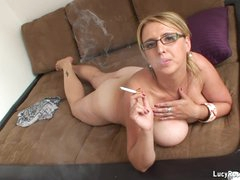 Hawt cougar Lucy Rose smoking